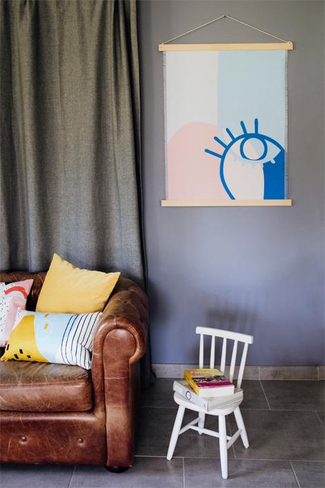 tenture murale kakemono en tissu recycl oeil. Black Bedroom Furniture Sets. Home Design Ideas