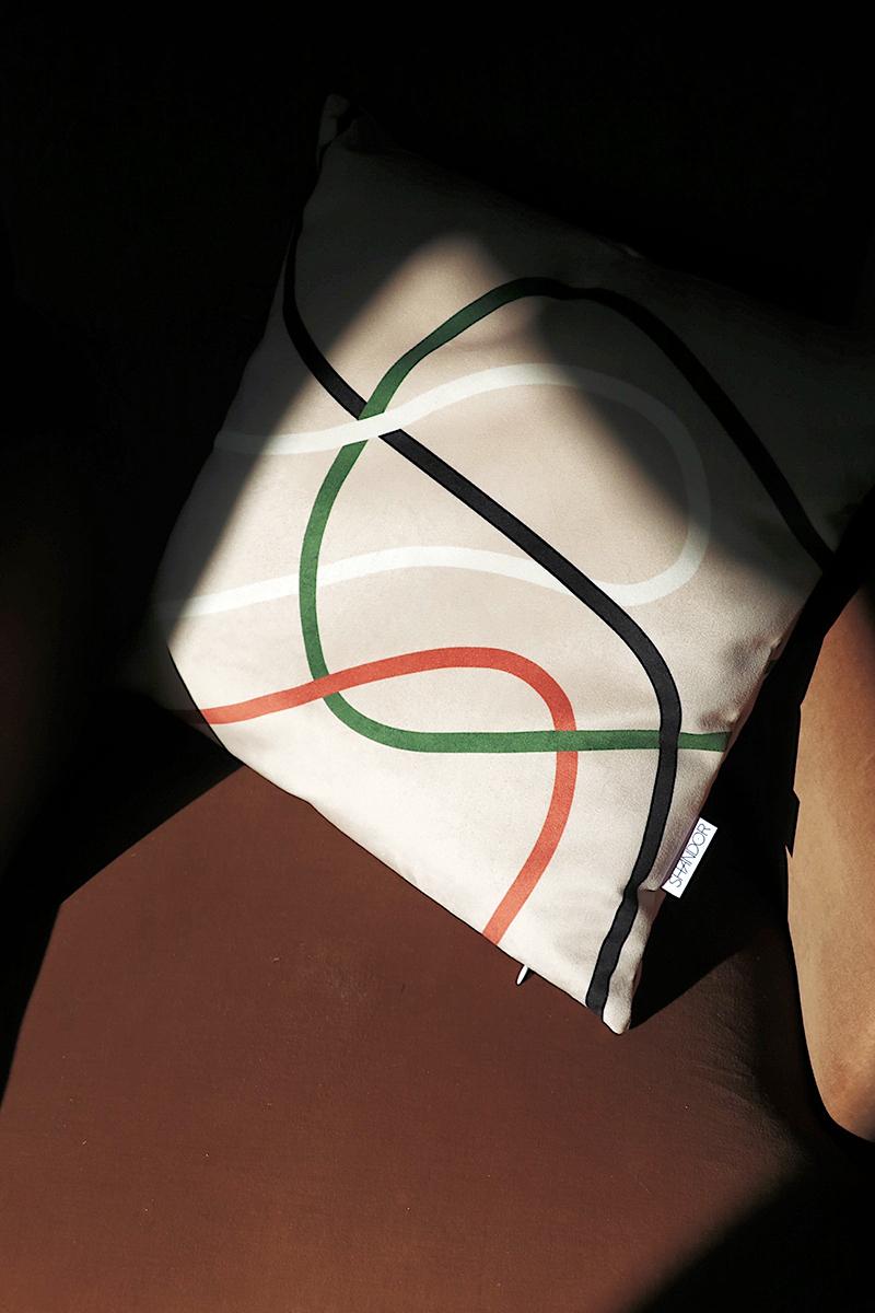 Coussin en velours lignes, Made in France
