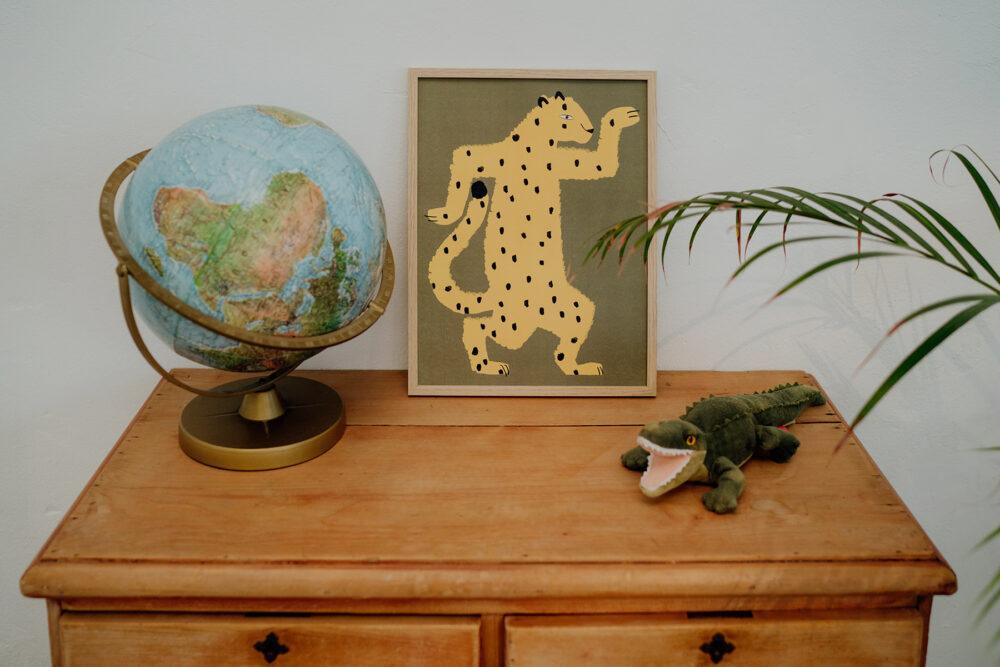 Affiche Gaspard le guépard vert kaki et jaune, Made in France